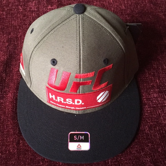 REEBOK UFC H.R.S.D RARE HTF HAT SIZE S M FITTED 🧢 a5ed22cf8ea7